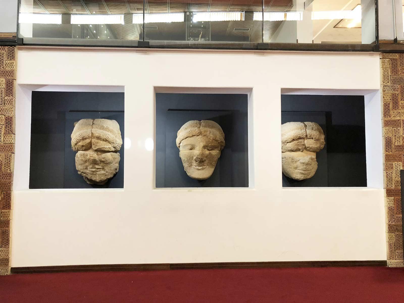 I volti dei telamoni al Museo Archeologico di Agrigento