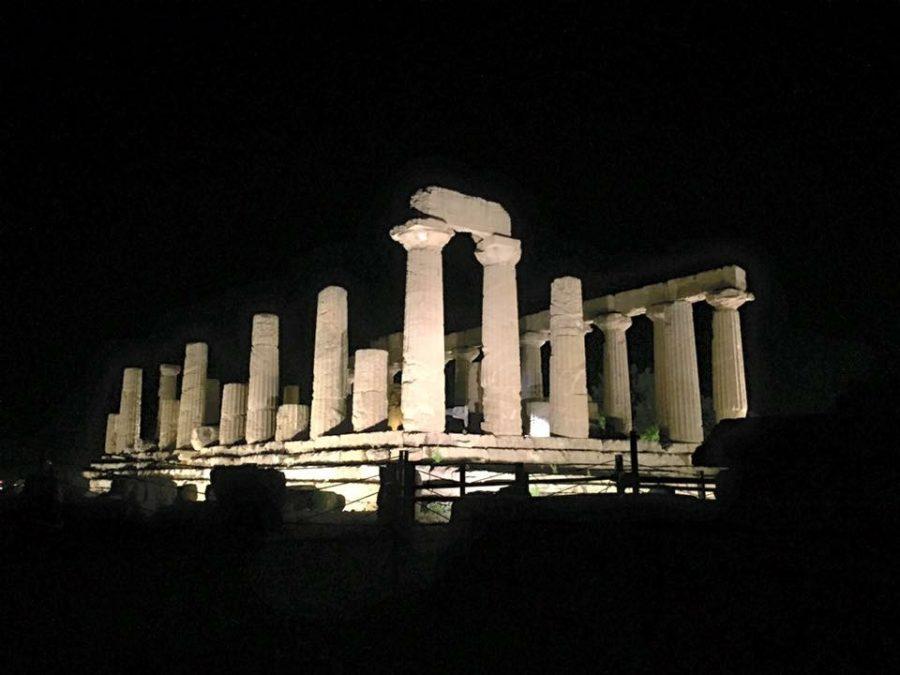 Il tempio di Giunone illuminato di notte