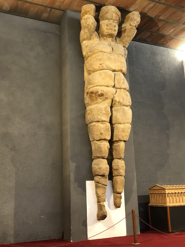 Il telamone del tempio di Zeus al Museo di Agrigento